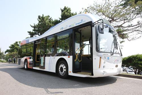 Električni autobus iz Gumija